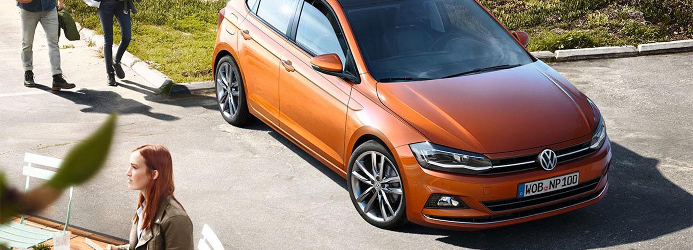 Fotografía del Volkswagen Polo en color naranja
