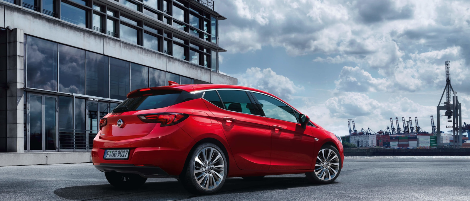 Lateral Opel Astra