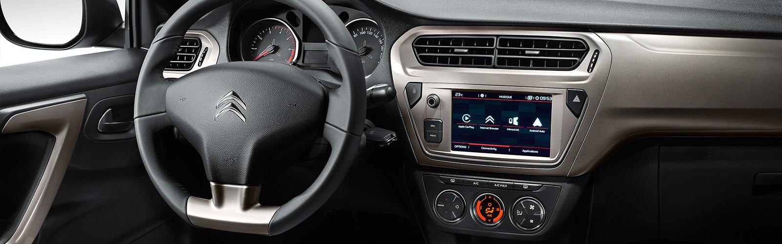 El interior del Citroën C-Elysée es simple pero muy espacioso