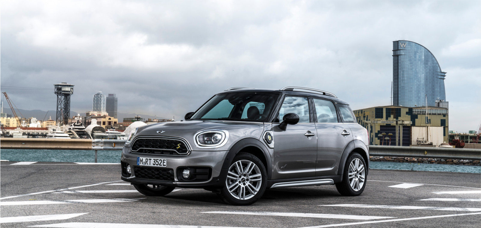 Lateral Mini Countryman hibrido