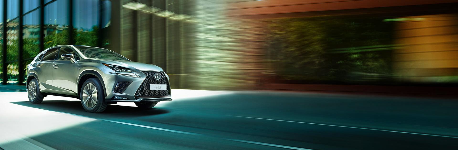 Lateral Lexus nx300h