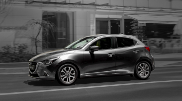 Mazda 3 plateado
